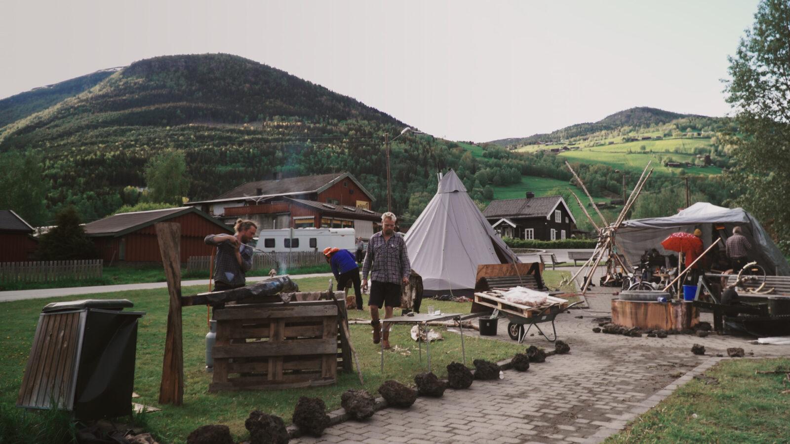 Stillsbilde Odelsgut og Fantefolge Foto Barbora Hollan 1